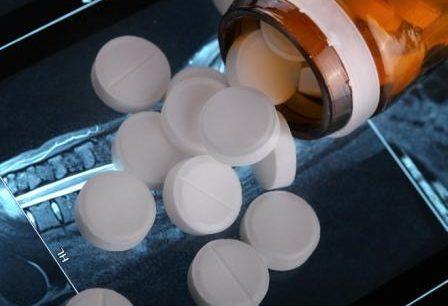Pills_spilled_radiograph_G_859396930